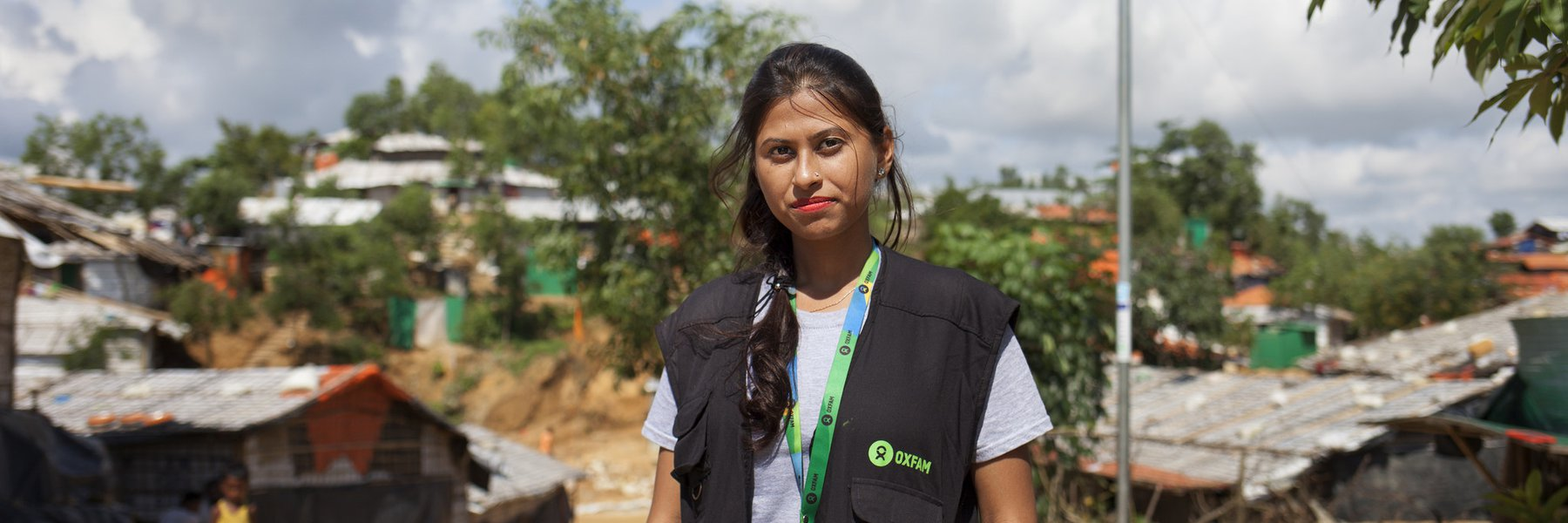 Portrait of Iffat, Oxfam aid worker