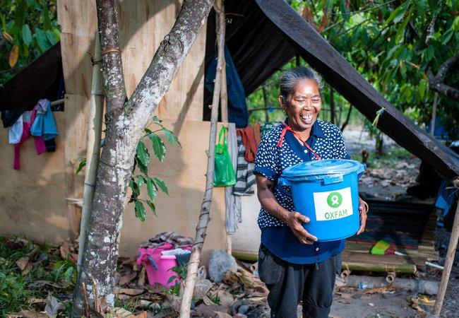 Hygiene Kit Distribution -  Indonesian Tsunami Response