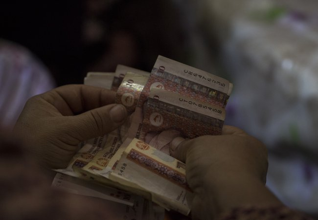 Oxfam works with villages in Tajikistan to establish women's savings groups.